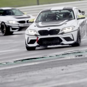 DTO MOTORSPORT BMWs racing on track