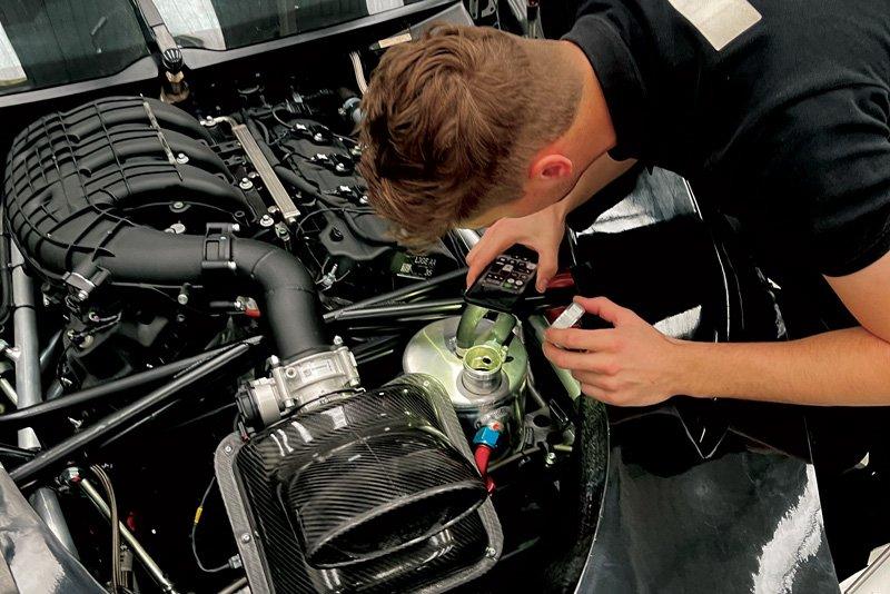 DTO Racing technicians